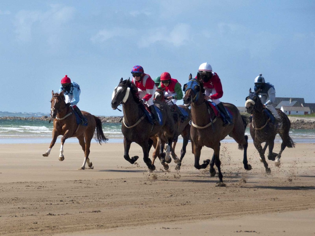 erris-beo-events-Geesala-Festival-Doolough-Beach-Horse-Racing-photo-by-Evita-Coyle-01