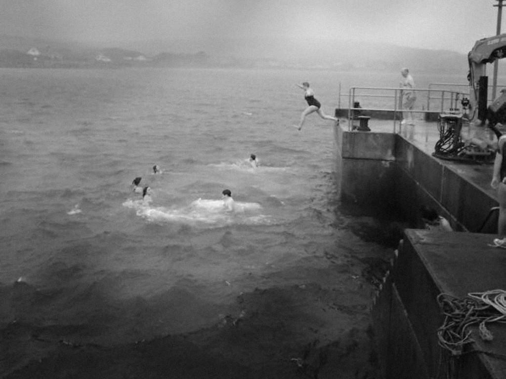 erris-beo-events-New-Year-Swim-An-Fod-Dubh-Blacksod,-photo-from-Ionad-Deirbhile.jpg-01