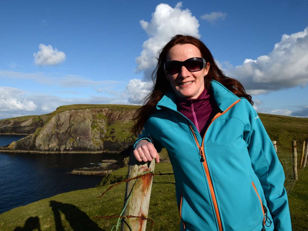 erris-beo-experiences-Wild-Atlantic-Tours-Agatha-Hurst-photo-by-Dara-Mac-Donaill-01